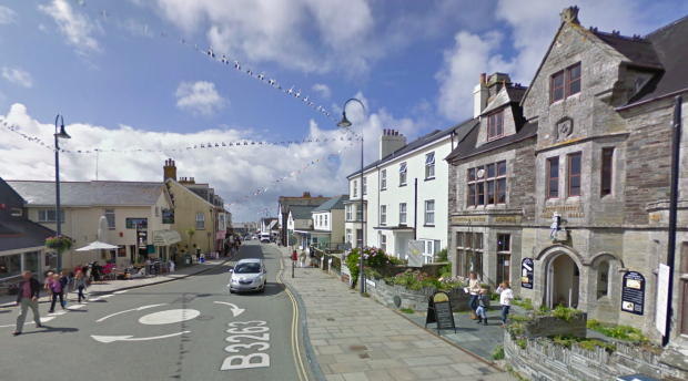 Google Street View screenshot of Fore Street Tintagel, 2011.